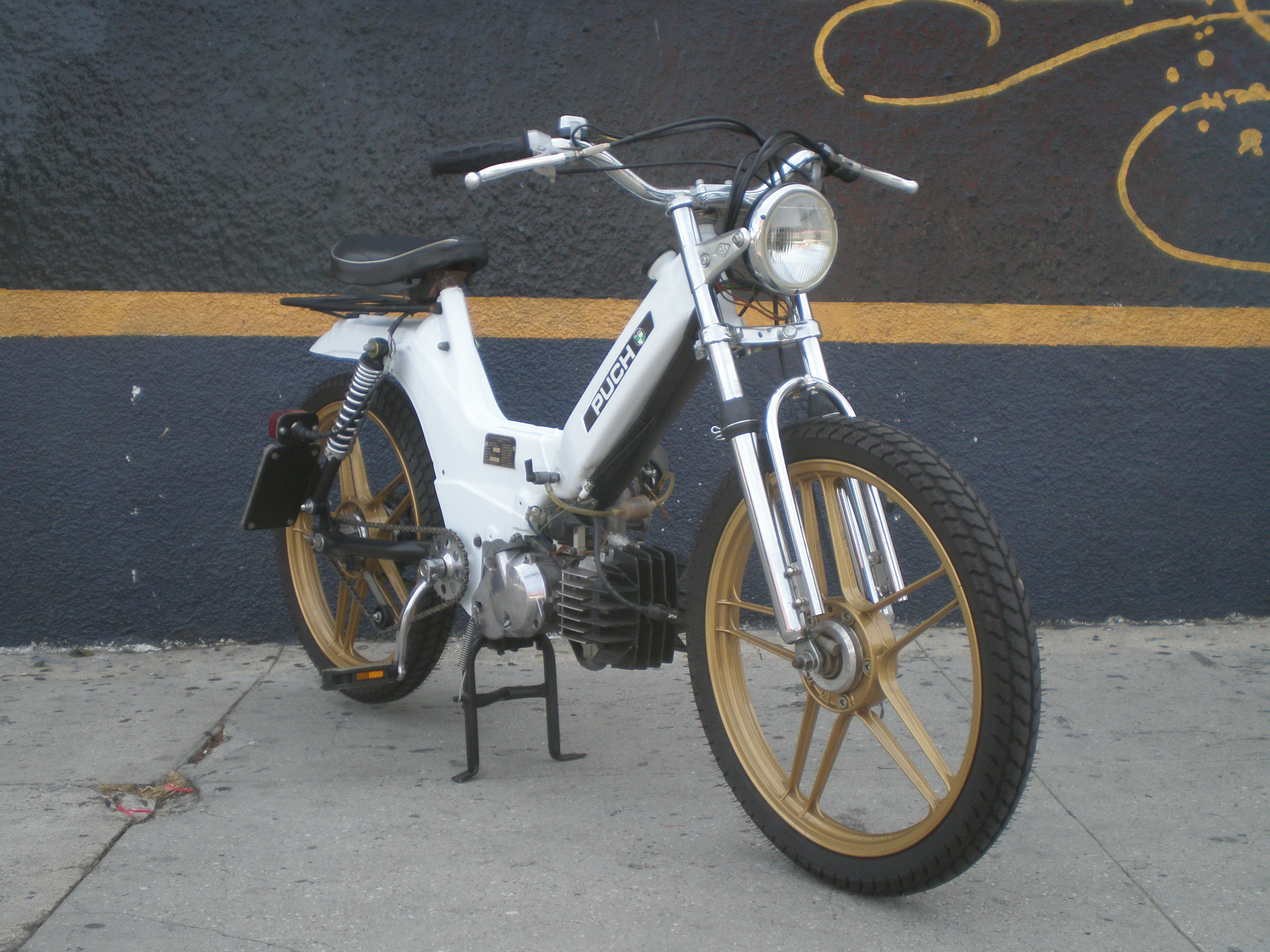 Shaw's Puch Maxi | Tomahawk Mopeds