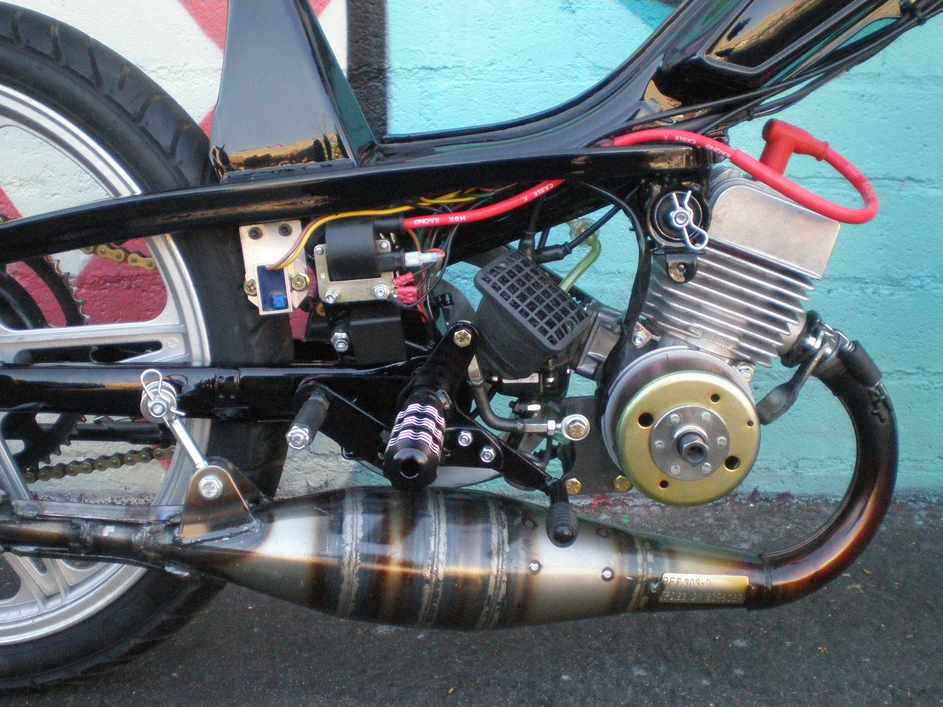 Scooter Tuning Shop : custom moped moped tuning tomahawk mopeds ~ Aude.kayakingforconservation.com Haus und Dekorationen