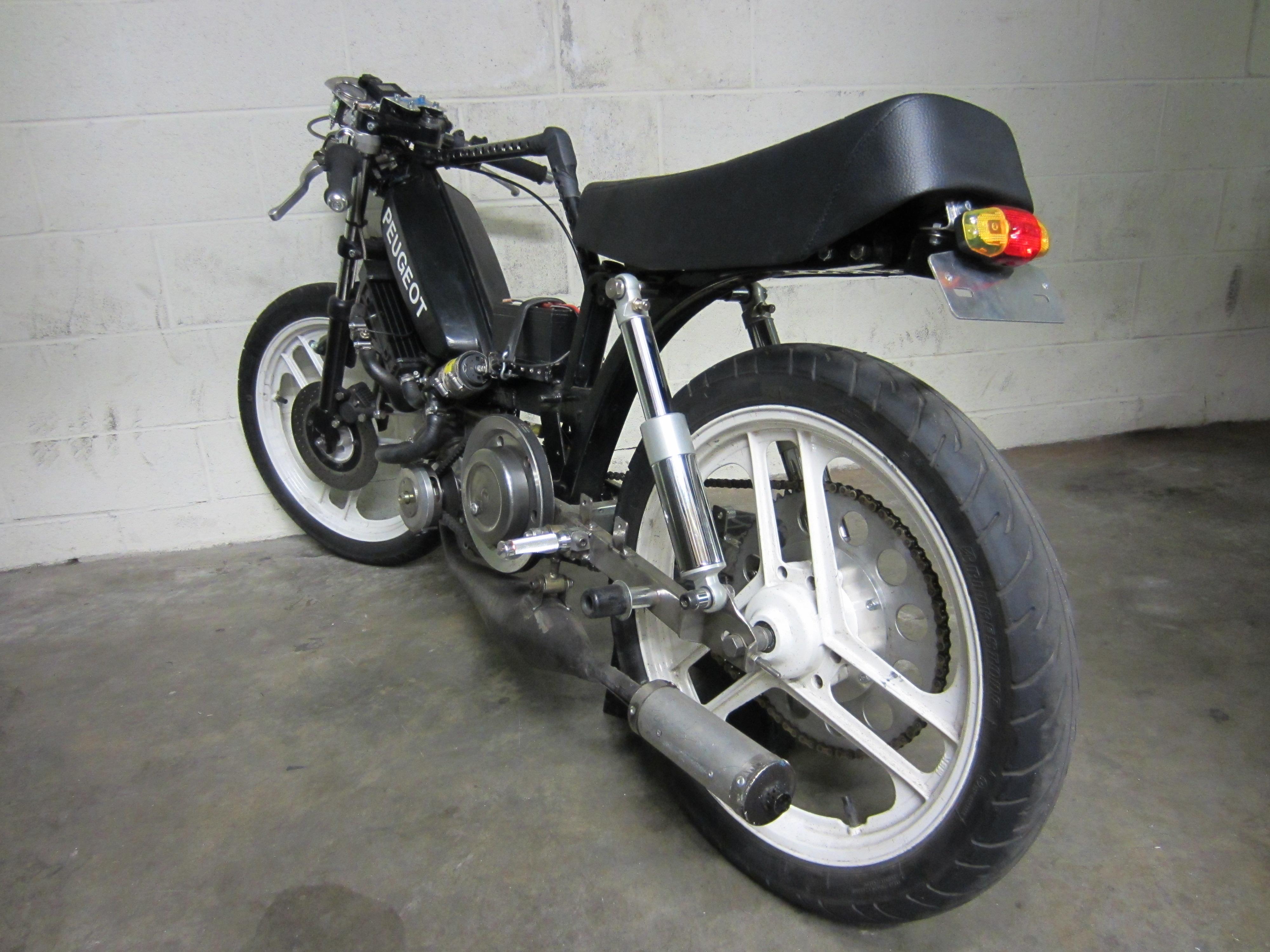 Cafe Racer Tomahawk Mopeds