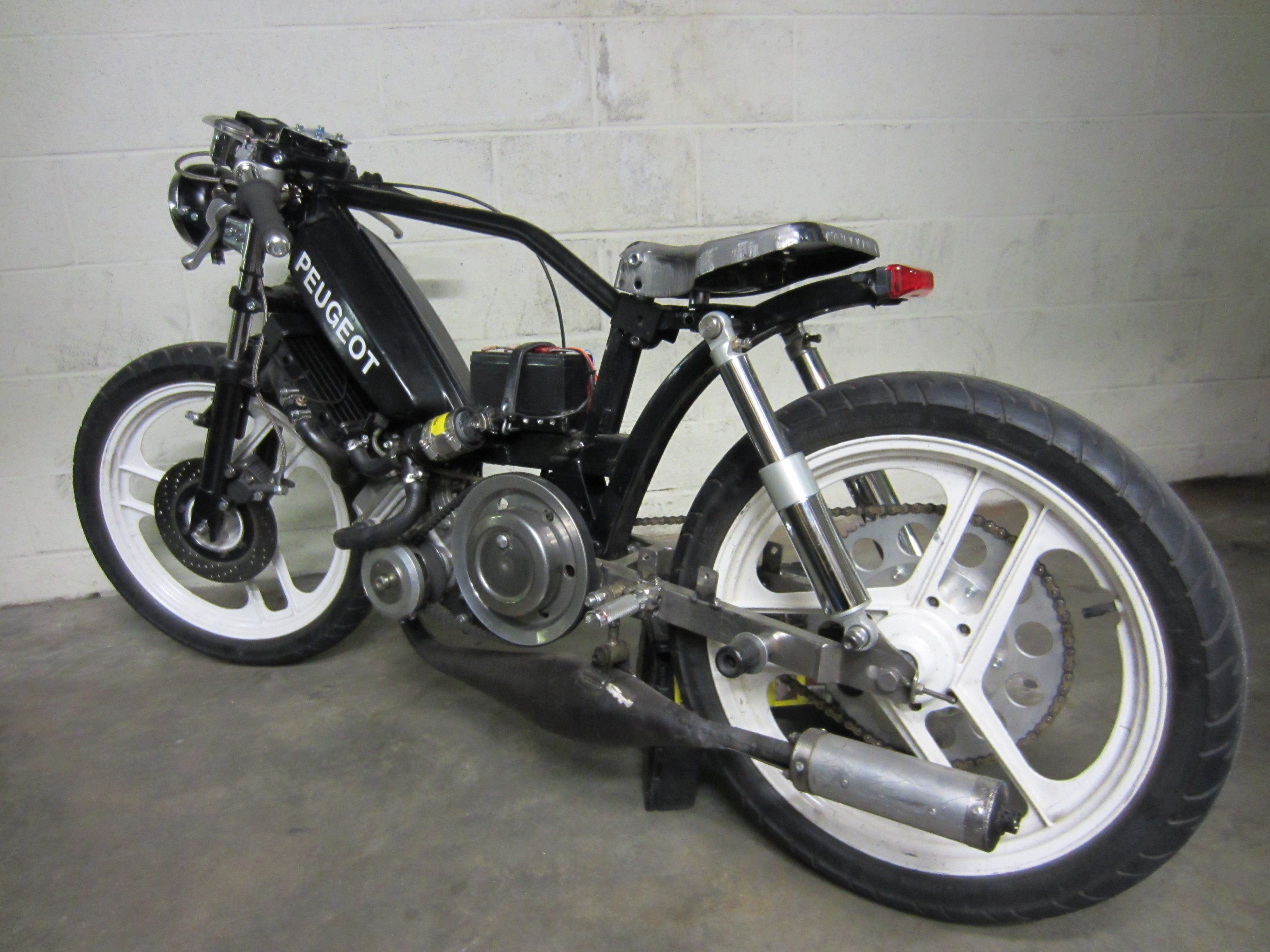 cafe racer tomahawk mopeds. Black Bedroom Furniture Sets. Home Design Ideas