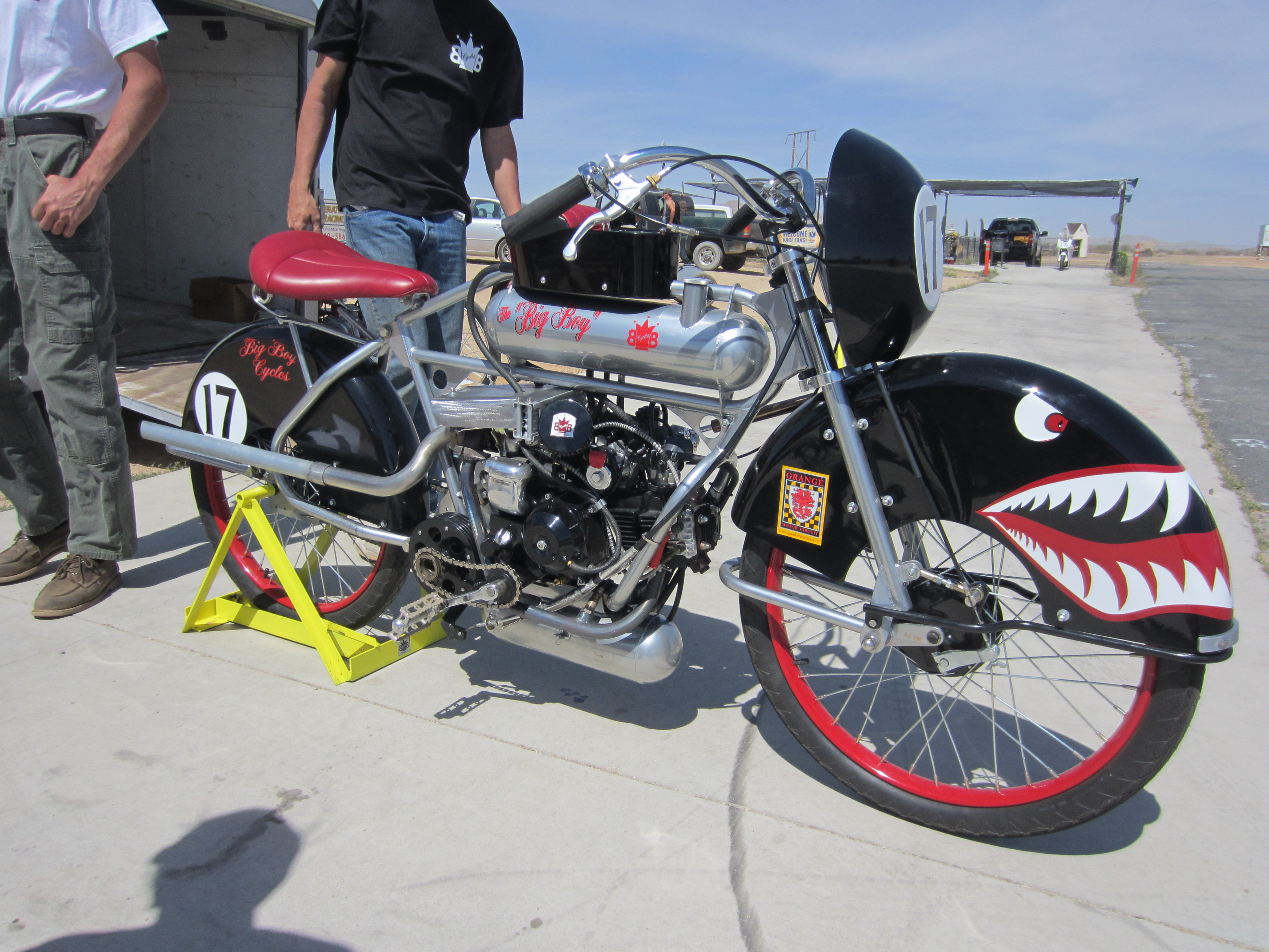 Back from the socal race april 13th tomahawk mopeds for Socal motor bicycle racing