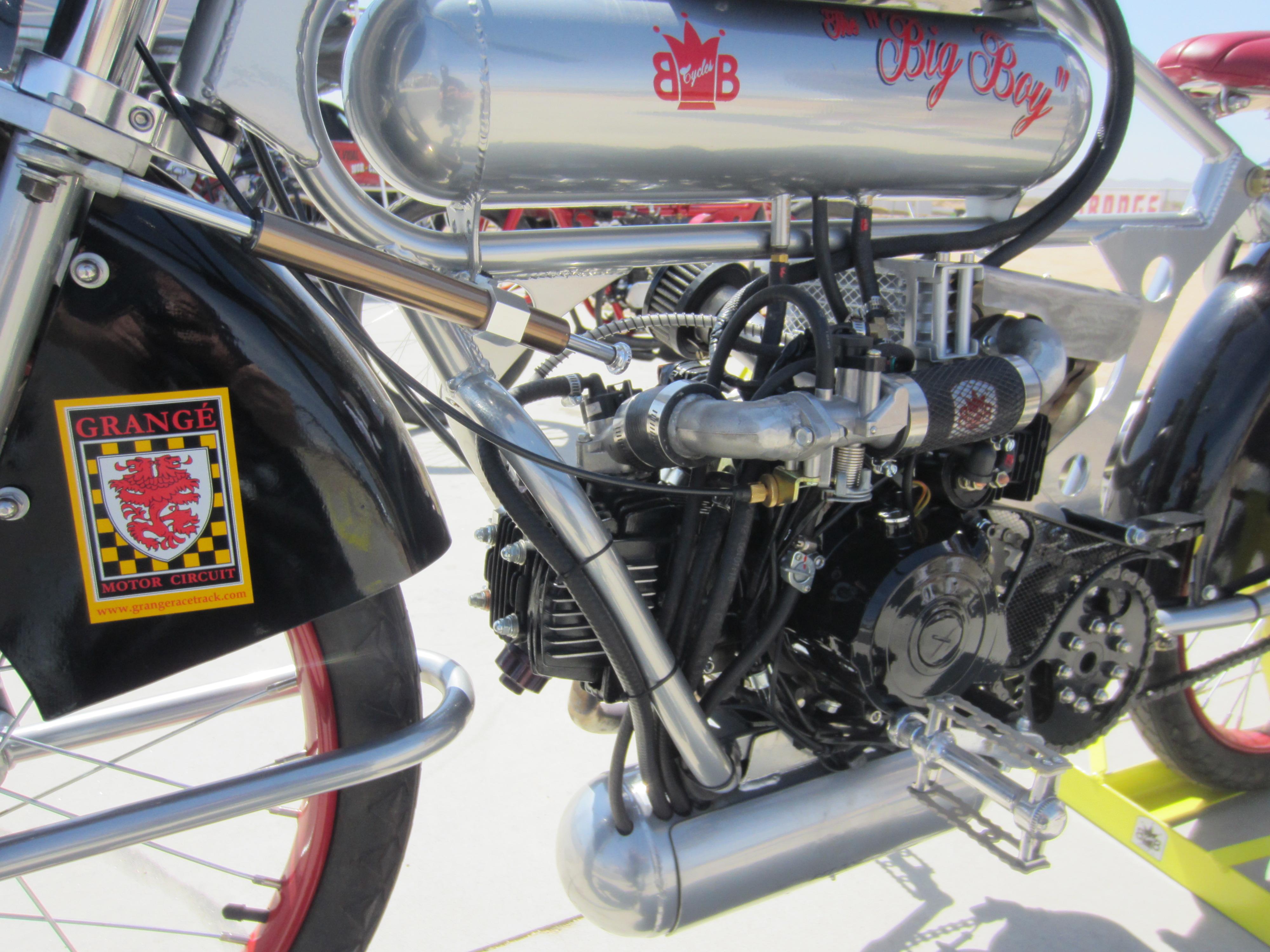 moped racing Tomahawk Mopeds